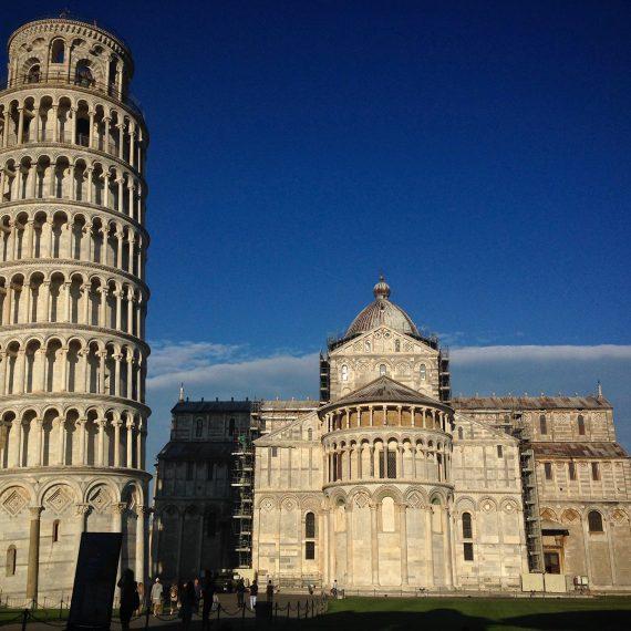 La tour pas droite